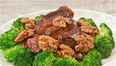 Foto Honey pepper beef met walnuts